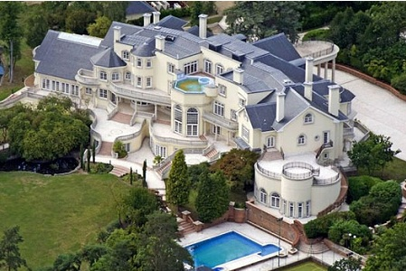 Top 15 Biggest Houses In The World World Blaze