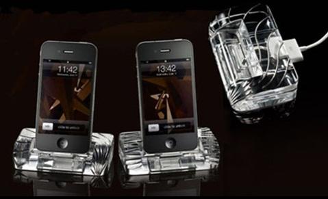 iPhone 4 Crystal Docking Station