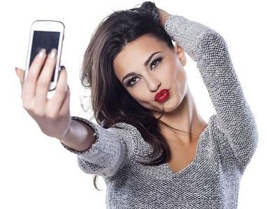 Selfie pose