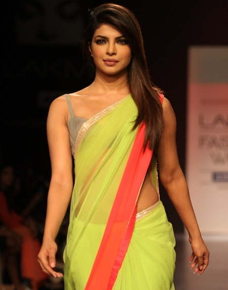 Top 10 Bollywood Actresses Who Looks Hot In Saree World Blaze