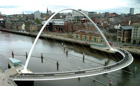 Gateshead Millennium Bridge - Gateshead, United Kingdom