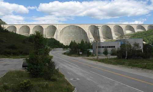 Daniel Johnson Dam, Canada